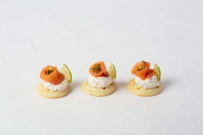 Cured salmon and caviar blinis(1)
