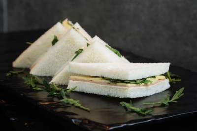 Children's ham & cheese sandwiches - Elia Caterers