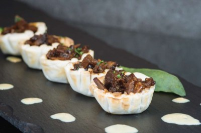Pulled crispy duck in filo pastry baskets - Elia Caterers