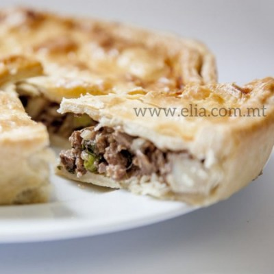 Steak-&-kidney-pie